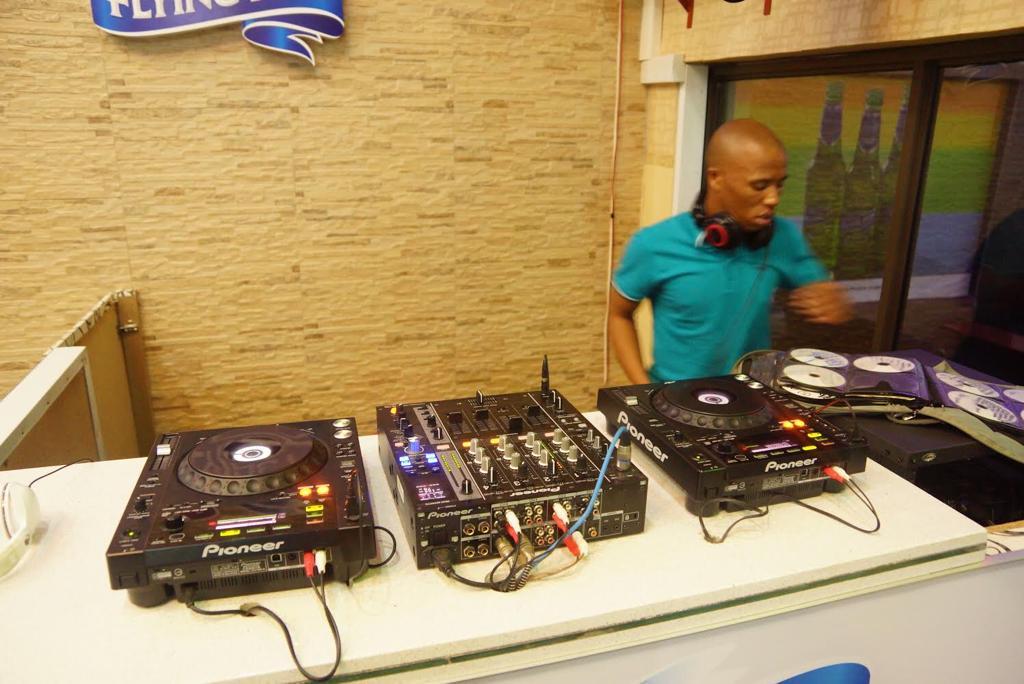 DJ TooNice